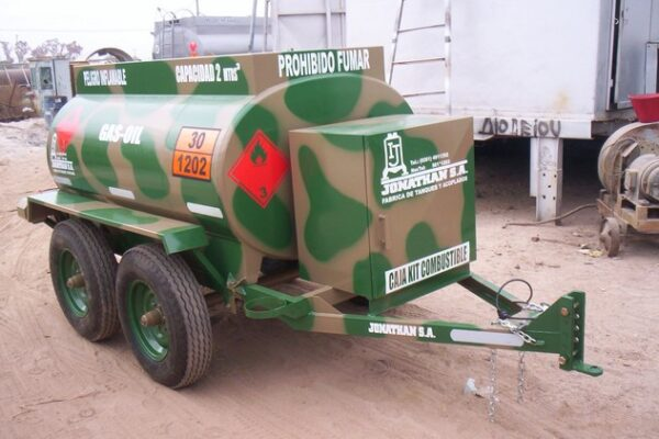acoplado tanque 2.000 ltrs gas-oil 2