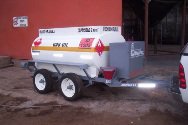 acoplado tanque 2.000 ltrs gas-oil 5