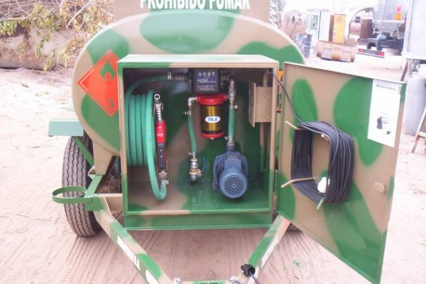acoplado tanque 2.000 ltrs gas-oil 6