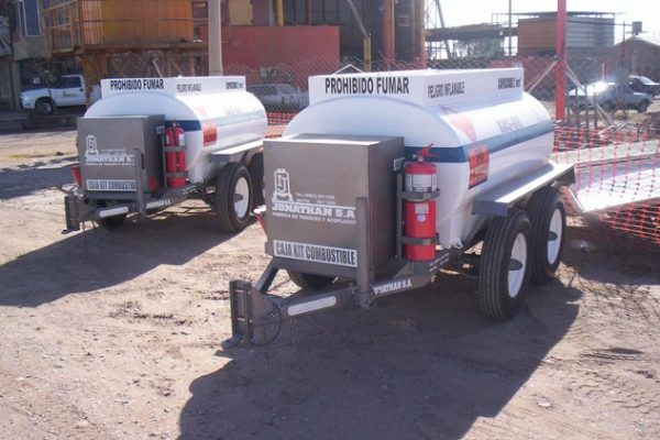 acoplado tanque 2.000 ltrs gas-oil