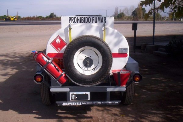 acoplado tanque 2.000 ltrs gas-oil 8