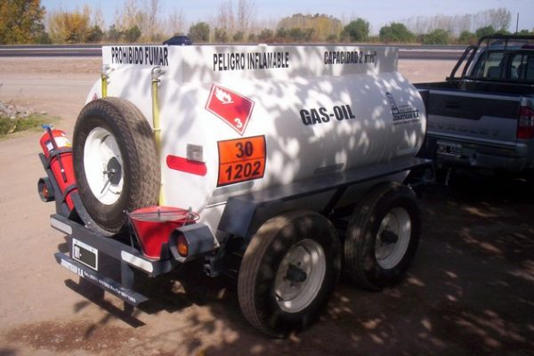acoplado tanque 2.000 ltrs gas-oil 9